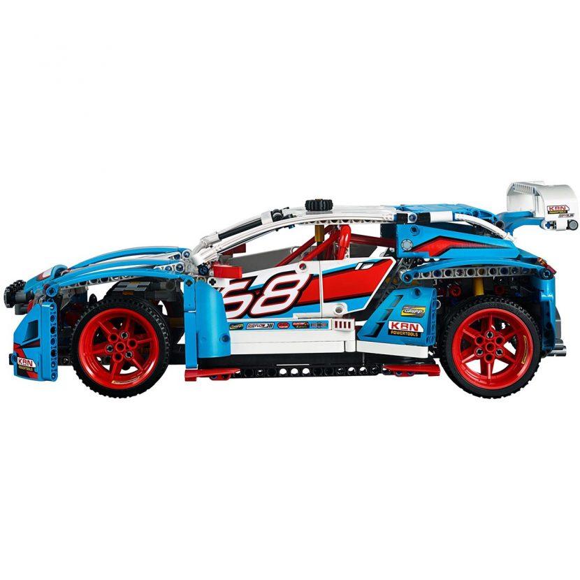 42077 Trkački auto
