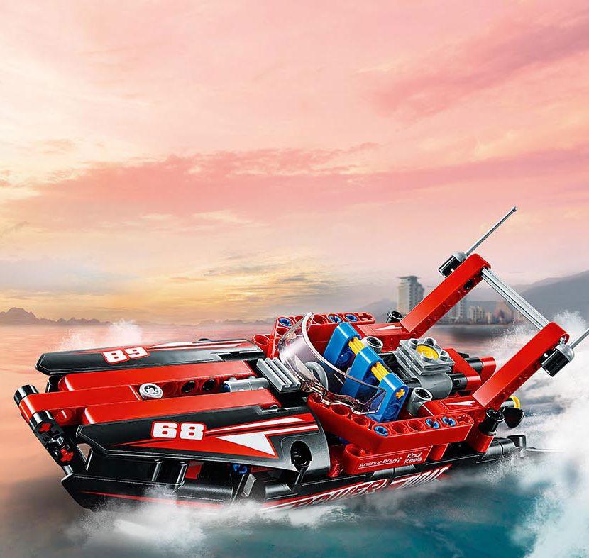 42089 Motorni čamac